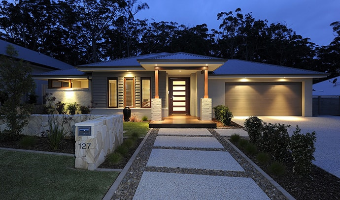 house-front-lighting-dusk-lawn