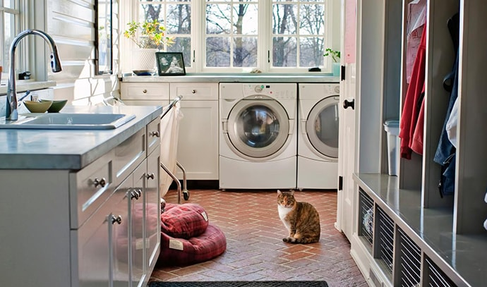 mudroom-at-the-laundry-room