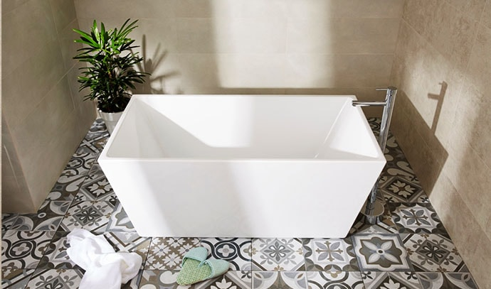 raymor-bath-tub-bathroom