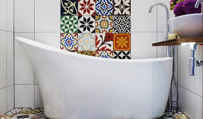 featured-wall-flooring-square-patterns-bathroom-tiles