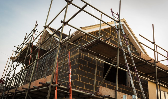 building-construction-home-renovation-scaffolding