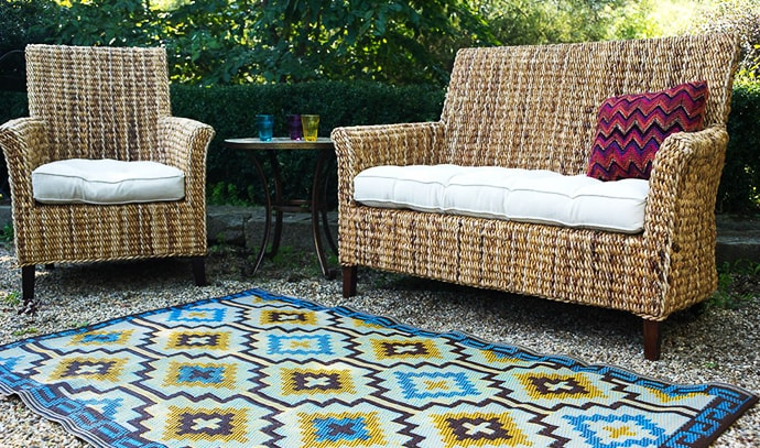 beyond-bright-outdoor-rug-ecofriendly-seats-picnic
